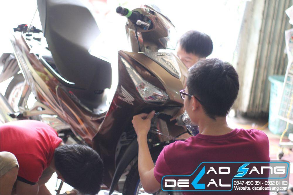 dan-decal-chong-tray-xe-future